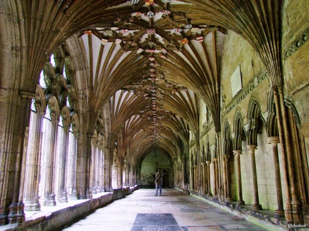 kruzganki-klasztorne-katedra-canterbury-kent-anglia-UNESCO-lista-swiatowego-dziedzictwa-kultury-pozdroze-023