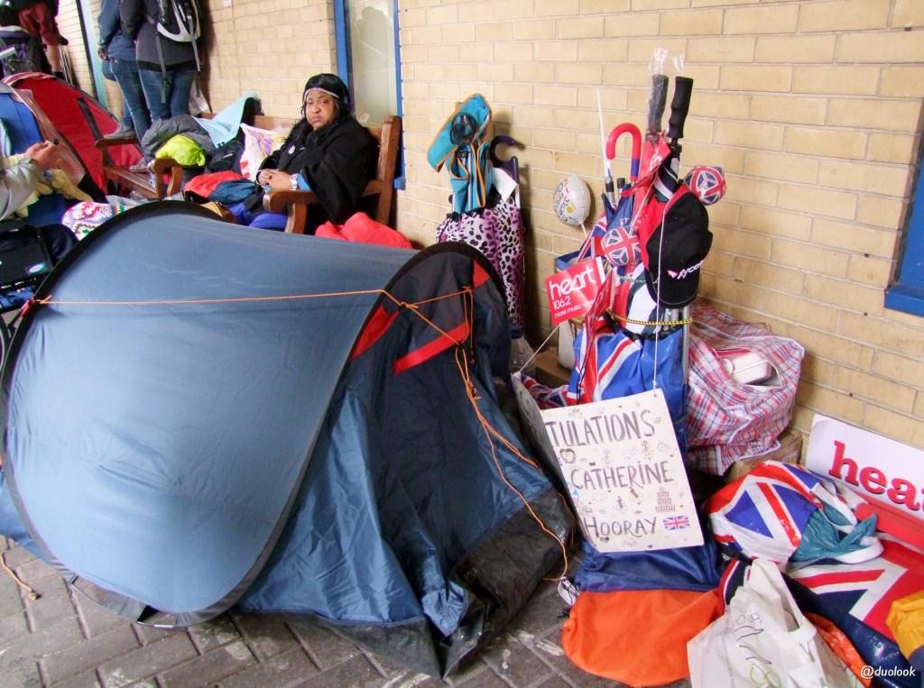 Niektórzy spali przed namiotem wiele dni...hmmm...przesada lekko mówiąc