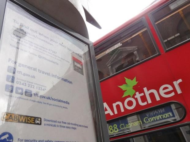 tfl-social-media-transport-for-london-twitter-w-londynie-case-study