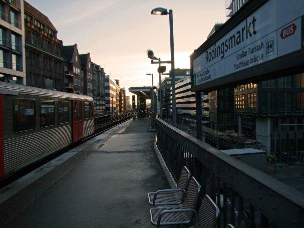 rodingsmarkt-u3-ubahn-hamburg-wochenkarte-grossbereich-stacja-metro-niemcy-podrozowanie-niemcy