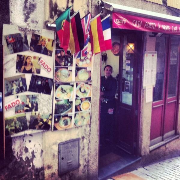 najlepsza-portugalia-restauracja-dorsz-bacalhau-Casa-Porto-a-noite-dos Mercadores-fado
