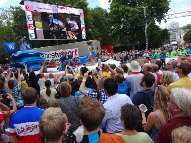 parada-sponsorow-tour-de-france-the-mall-londyn-caravane-wielka-brytania-anglia -accor-ibis