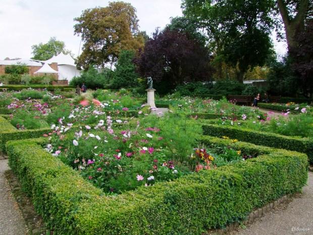 parki-w-londynie-holland-park-kensington-chelsea-piekne-atrakcje-stolicy-wlelkiej-brytanii-14