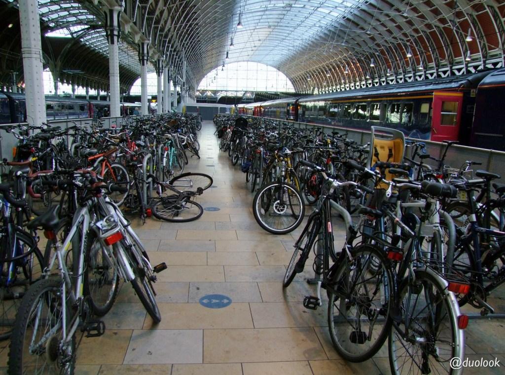 londyn-stacja-paddington-mis-pociag-komunikacja-pamiatki-wielka-brytania-paddingtontrail-atrakcje-dla-dzieci-anglia-00013
