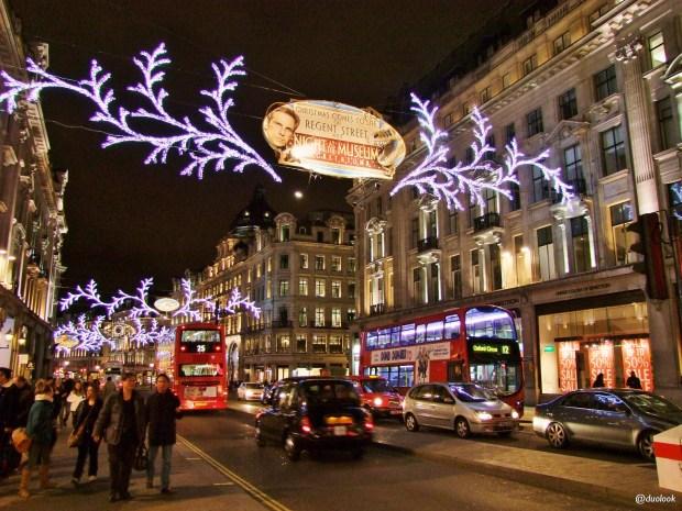 regent-street-sklepy-londyn-swieta-boze-narodzenie-atrakcje-zima-zakupy-w-londynie-swiateczne-grudzien-34