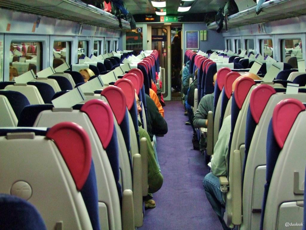 angielski pociąg z Londynu do Oksfordu