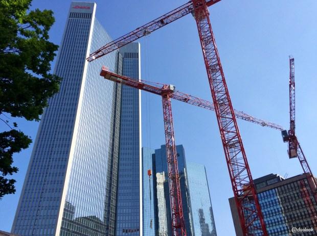 frankfurt-wiezowce-w-budowie-podroze-atrakcje-niemcy-zwiedzanie-targi-imex-24