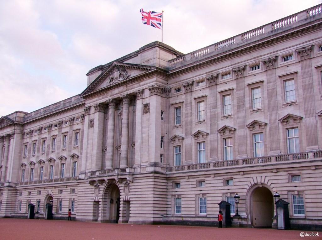 Królewski pałac Buckingham w Londynie