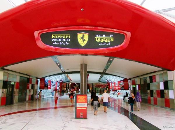Ferrari World abu dhabi yas island atrakcje