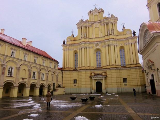uniwersytet-wilenski-batory-jezuici-wilno-atrakcje-zwiedzanie-litwa-weekend-w-wilnie-23