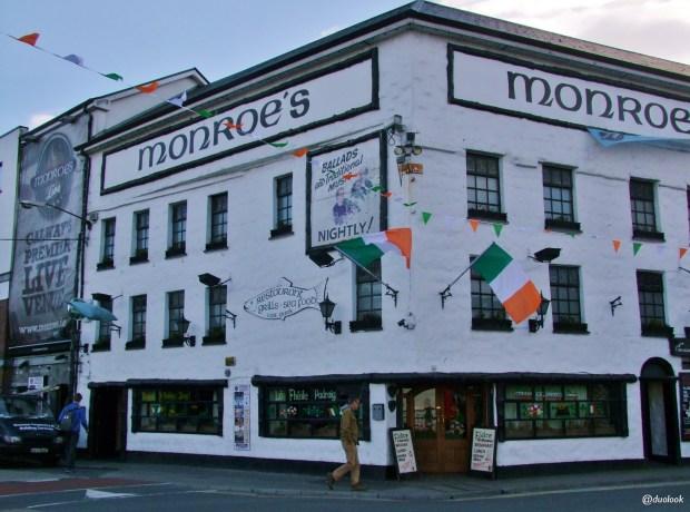 pub-monroes-galway-muzyka-atrakcje-co-zobaczyc-irlandia-29