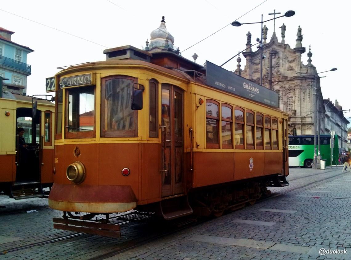 tramwaj-porto-atrakcje-co-warto-zobaczyc-portugalia-11