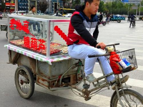 rowery-w-pekinie-uliczne-jedzenie-chiny