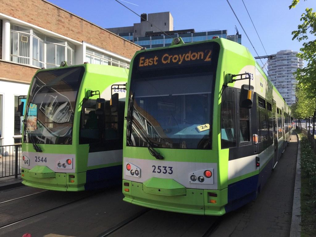 jak jezdzic po Londynie tramwaje