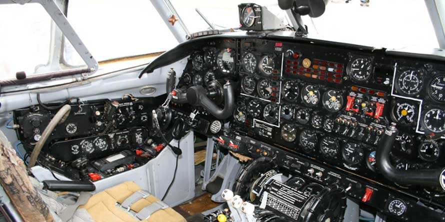 Cockpit Instruments and Understanding Magnetic Compass Errors