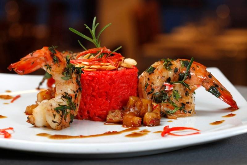 11º Festival Gastronômico de Búzios. Produção de Gil Castelo Branco. Salt, Camarões em Crosta de Ervas. Abril de 2012. Fotos de Fabio Rossi