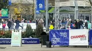 ADVERTISE INTO CELLPHONES AT CAMPUS MARTIUS PARK IN DOWNTOWN DETROIT - ADVERTISE INTO CELLPHONES AT CAMPUS MARTIUS PARK IN DOWNTOWN DETROIT