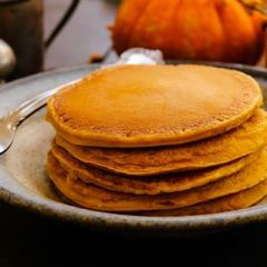 Cinnamon Paleo Pumpkin Pancakes
