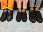 Jenuh cari kapur kasut hitam
