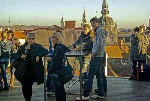Graz-Auf-der-neuen-Dachterrasse-des-Kaufhauses--Kastner-&-Öhler-1
