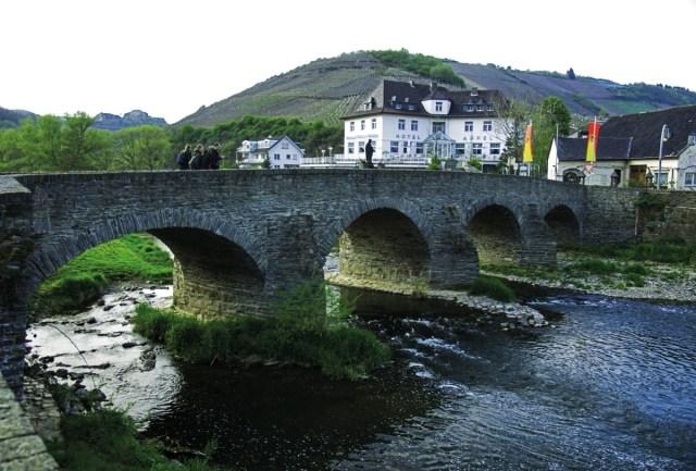 Eifel Ahr Römerbrücke Rech