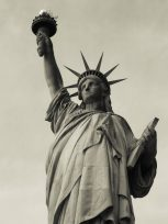 statue-of-liberty-648643_1920