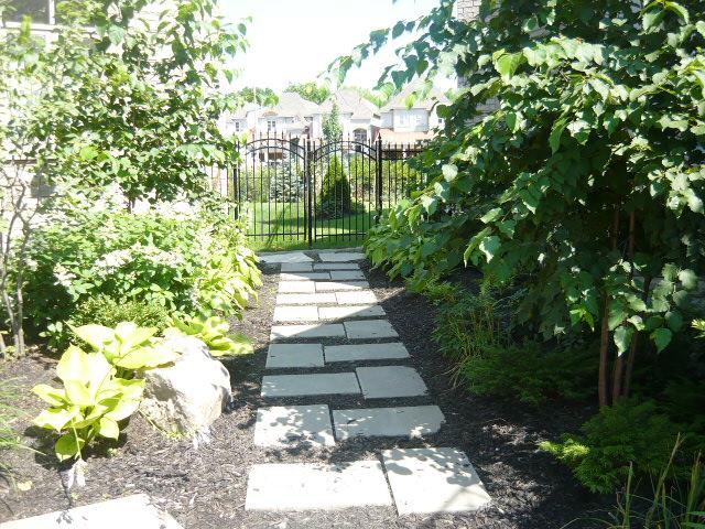 Pathway to Gates-Oakville