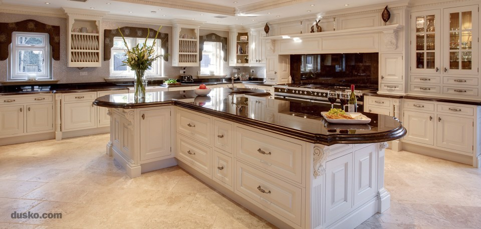 Colonial Style Kitchen in Prestbury, Cheshire