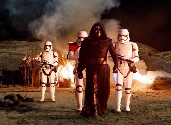 Kylo Ren ve Stormtroopers