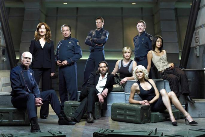 Battlestar Galactica - Asla içinde uzaylı olan bilimkurgu dizisi deyip geçmeyin
