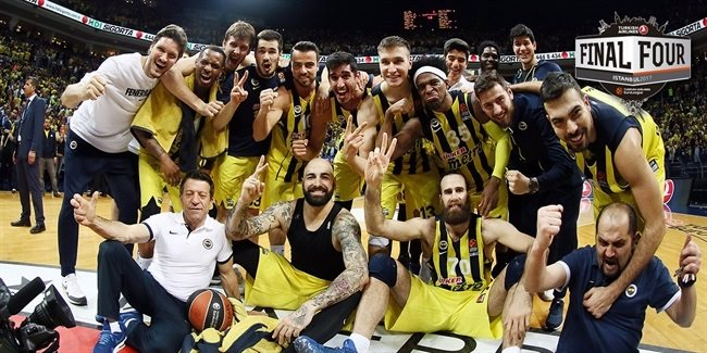Fenerbahçe - Olympiakos arasındaki Final Four finali sonrası... (Fotoğraf: euroleague.net)