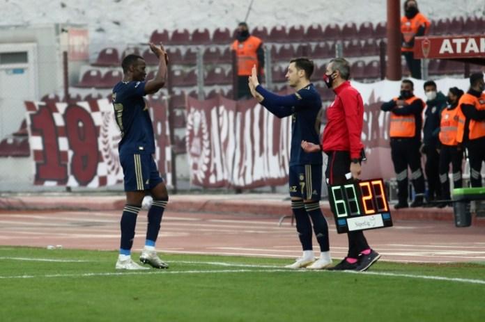 Mesut Özil'in Hatayspor maçında oyuna girme anı.