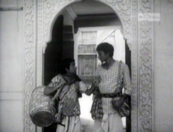 ...And Goopy and Bagha set off