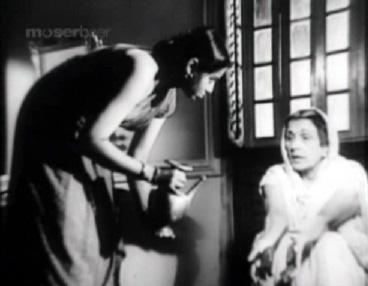 The Badi bahu washing her hands