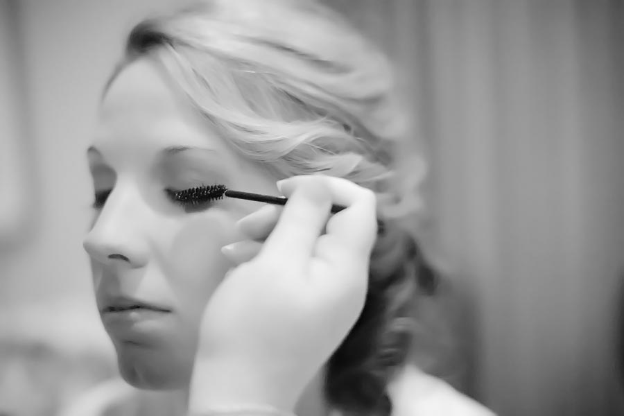 getting ready bridal makeup