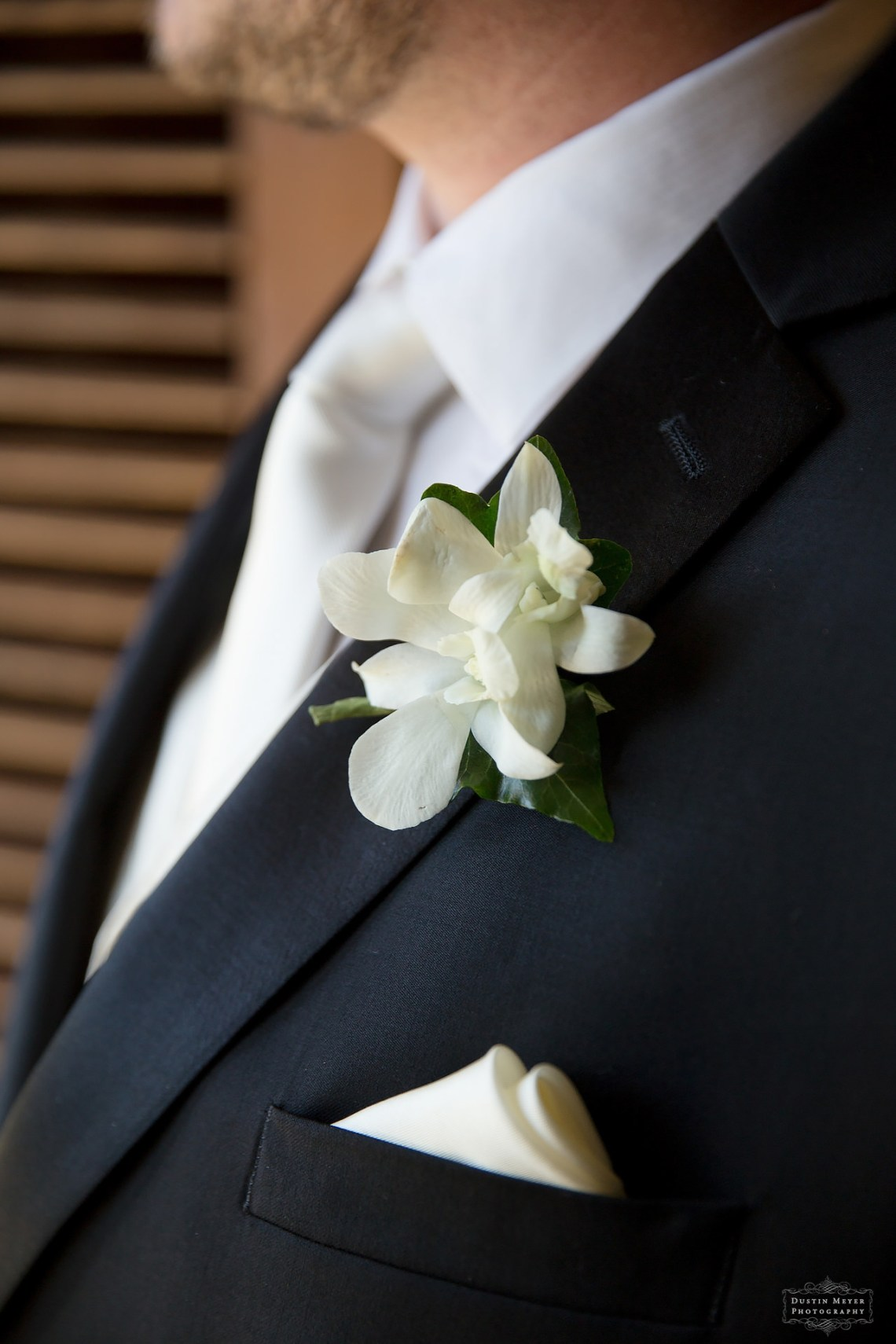 grooms boutonniere floral