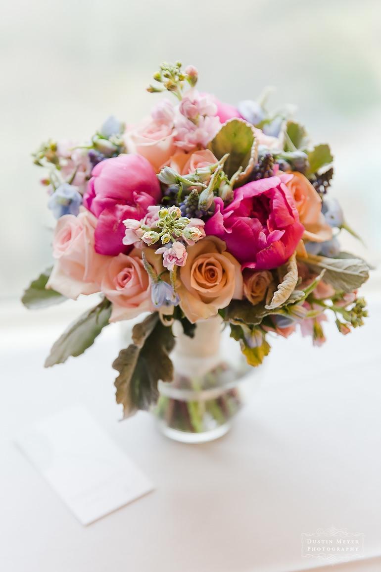 wedding bridal flowers bouquet