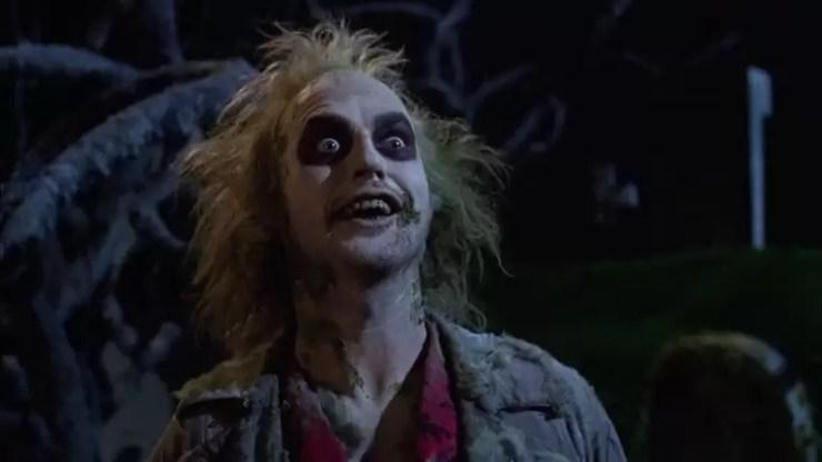 Michael Keaton kotu niyetli bir hayalet diger iki kotu niyetli hayaletler tarafindan rahatsiz edici bir aile taciz icin kiralanan olarak parlar.