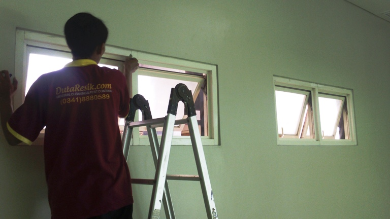 cleaning service batu