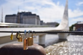 Specially for Juli and Felix. Their love-lock now hangs somewhere in Buenos Aires :-)