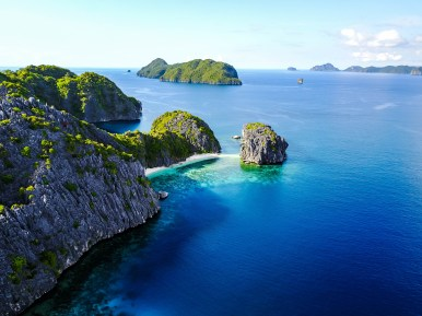 Palawan - El Nido - Paradise - Matinloc - Dutch Pilot Girl