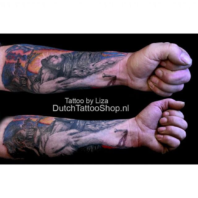 jesus-jezus-3d-effect-arm-tattoo-kruis