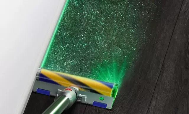 Dyson'ın lazer teknolojisine sahip yeni kablosuz süpürgeleri tanıtıldı