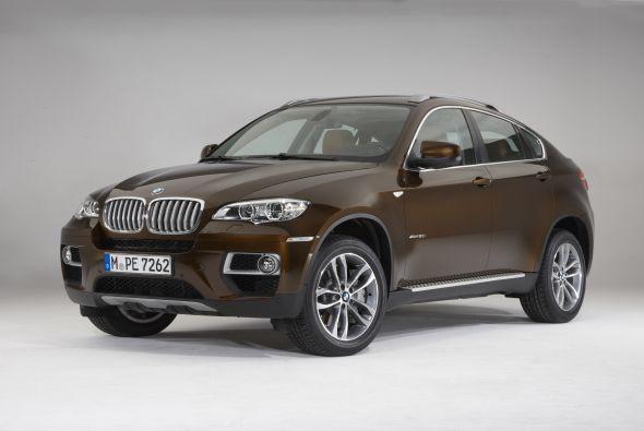 La nueva BMW X6 es un vehículo de apariencia atlética. Destaca por su amplia gama de motores de gasolina y diesel de alto desempeño.