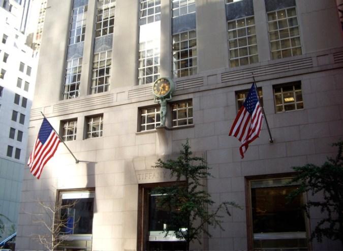 Tienda insignia Tiffany and Co.'s en la ciudad de Nueva York.