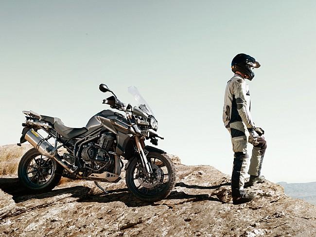 Triumph te equipa para tus viajes con la gama Adventure