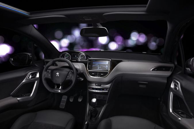 Interior de lujo Peugeot 208 XY