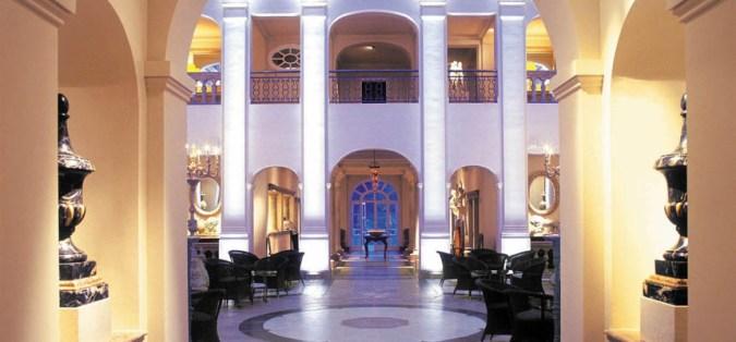 Lobby Hotel Villa Padierna 6 estrellas en Andalucía