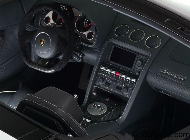 Interior del Lamborghini Gallardo Spyder 2013