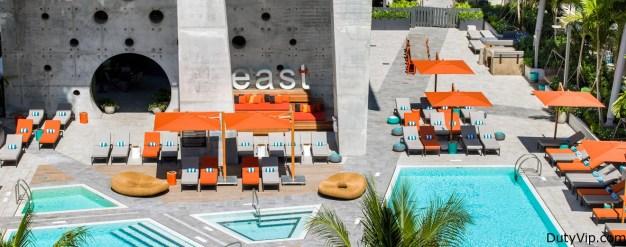 Piscina Hotel East Miami